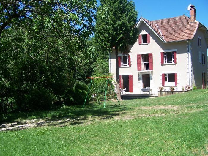 Maison de vacances à la  campagne  pour 6 à  12 personnes prés de Sarlat