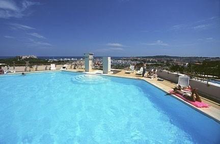 Location vacances Antibes -  Appartement - 2 personnes - Court de tennis - Photo N° 1