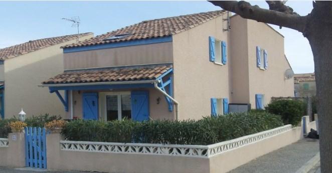 Villa dans residence calme 6 personnes  avec piscine et place de parking N° 105 privée à  Saint pierre la mer