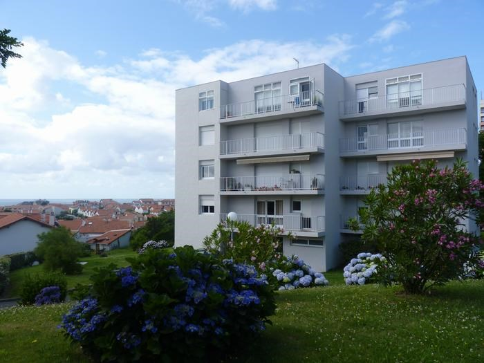 Location vacances Biarritz -  Appartement - 3 personnes - Jardin - Photo N° 1