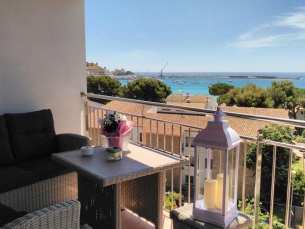 LYS  apartamento con increibles vistas al mar 1 dormitorio y terraza con vistas a 400 metros del paseo de Palamos en ...