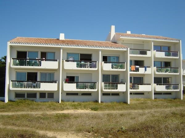 APPARTEMENT FACE MER ACCES DIRECT PLAGE