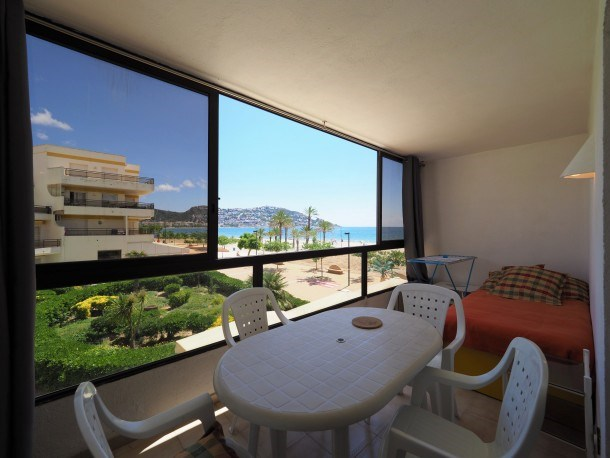 Nice apartment in front of the sea in Roses Inmosantos Oasis A3