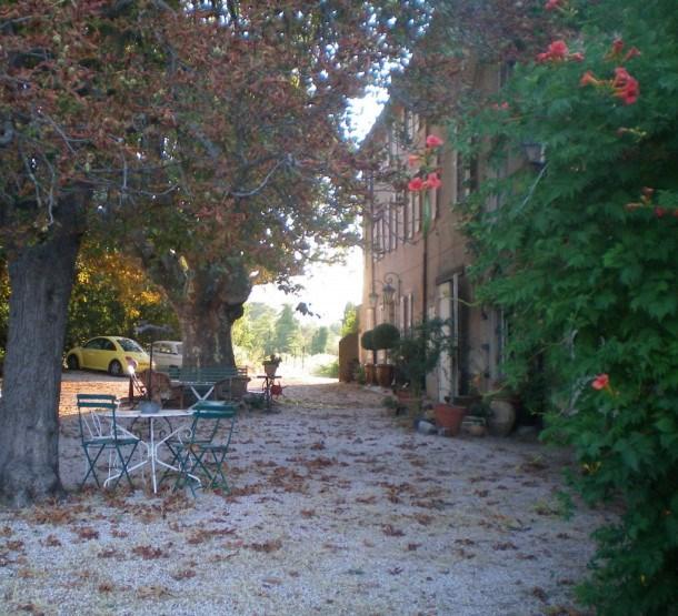 Location vacances Brignoles -  Chambre d'hôtes - 5 personnes - Barbecue - Photo N° 1