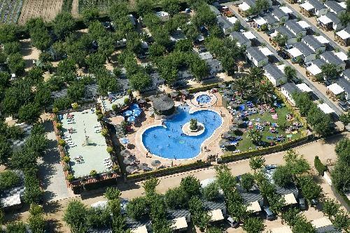 Location vacances Blanes -  Maison - 6 personnes - Court de tennis - Photo N° 1