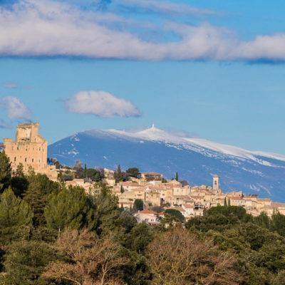 vue du village  sur le Mont Ventoux