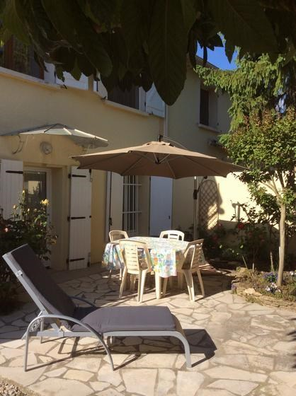 Location vacances Roquefort-la-Bédoule -  Appartement - 3 personnes - Barbecue - Photo N° 1