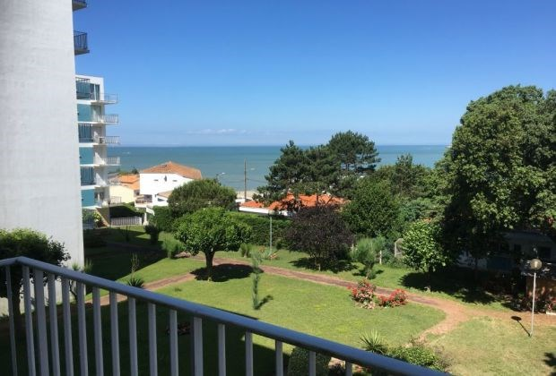 Location vacances Saint-Georges-de-Didonne -  Appartement - 5 personnes - Jardin - Photo N° 1