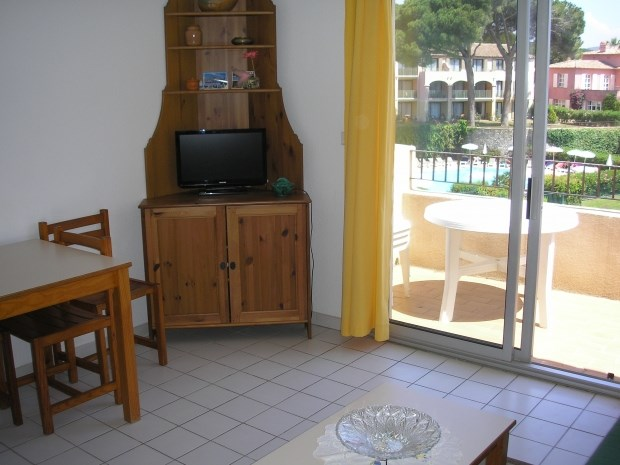 Holiday rentals Sainte-Maxime - Apartment - 4 persons - Television - Photo N° 1
