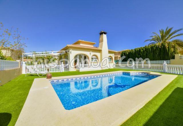 Location villa Costa Blanca à Calpe avec piscine sécurisée |olala