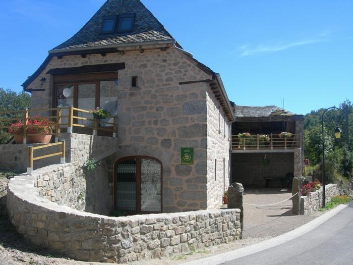 Location vacances Saint-Symphorien-de-Thénières -  Maison - 15 personnes - Barbecue - Photo N° 1