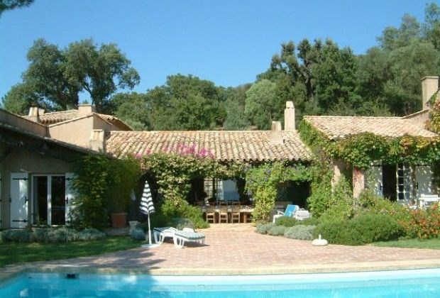 La Pierre is a delightful luxury villa (entirely ground-floor) situated in the small town of Beauvallon...