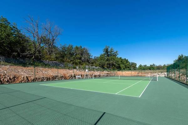 RARE ! Bastide provençale, Tennis privé, piscine chauffée. Calme absolu. IDEAL GRANDE FAMILLE OU GROUPE