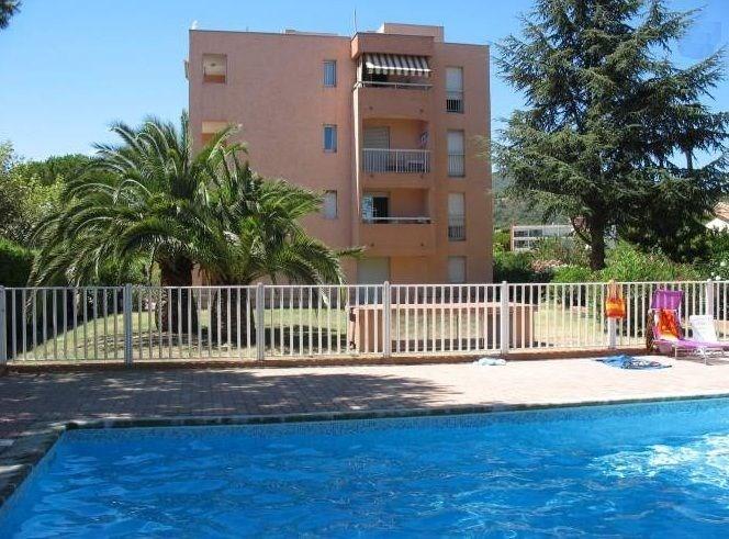 Appartement de 2 pièces dans résidence avec piscine Centre Ville de Ste Maxime à proximité
