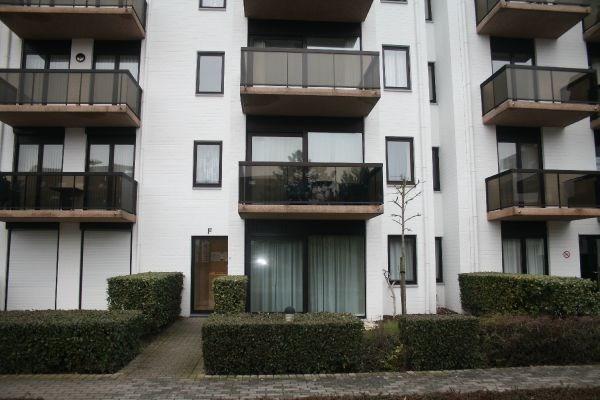 Zeer ruim (110m²)modern glvl appartement met staanplaats
