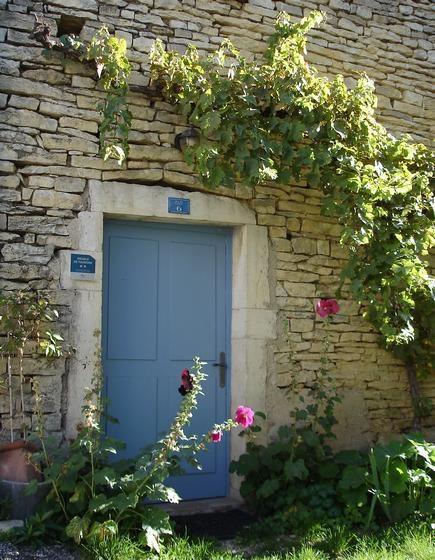 Location vacances Bévy -  Maison - 2 personnes - Salon de jardin - Photo N° 1