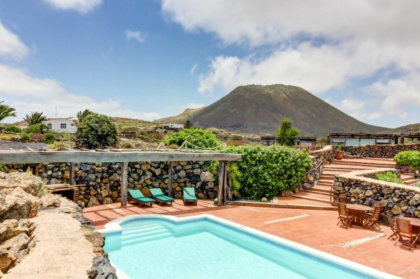 Apartamento Amanecer, With Views to Volcano and Pool