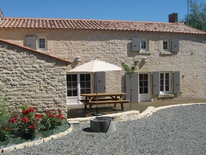 Holiday rentals Maillé - House - 10 persons - BBQ - Photo N° 1