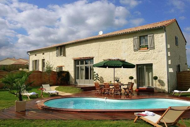 Location vacances Chalais -  Maison - 8 personnes - Barbecue - Photo N° 1