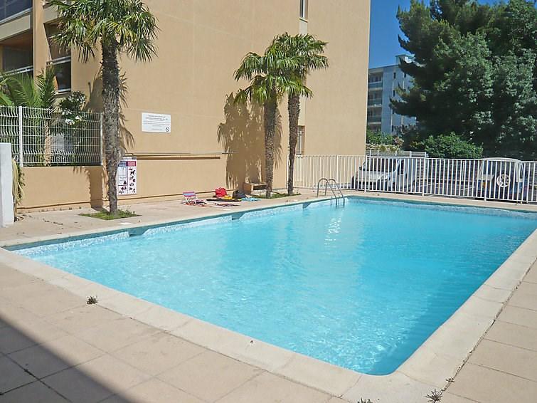 Location vacances Cavalaire-sur-Mer -  Appartement - 4 personnes - Jeux d'extérieurs - Photo N° 1