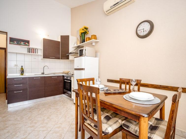 Appartement pour 3 personnes à Umag/Basanija