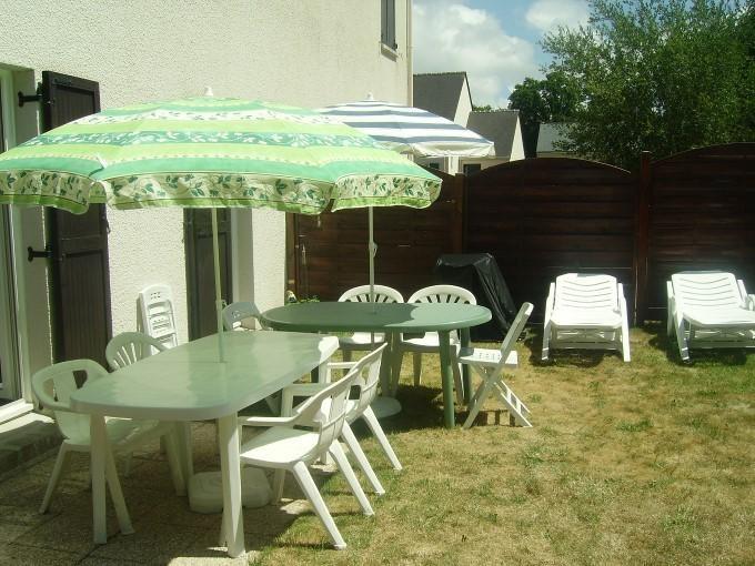 salon de jardin sous le soleil