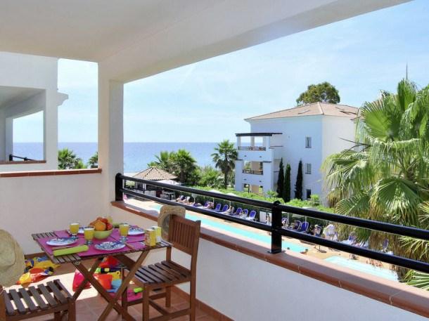 Location vacances Santa-Lucia-di-Moriani -  Appartement - 6 personnes - Table de ping-pong - Photo N° 1
