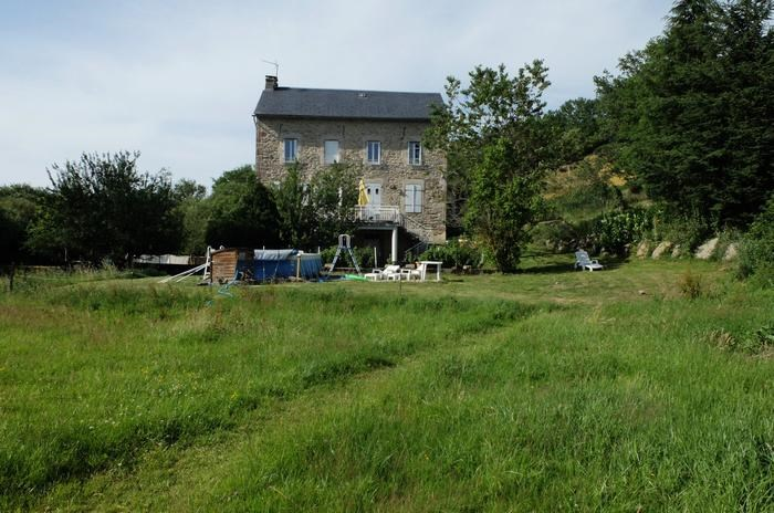 Location vacances Salles-Curan -  Gite - 12 personnes - Barbecue - Photo N° 1