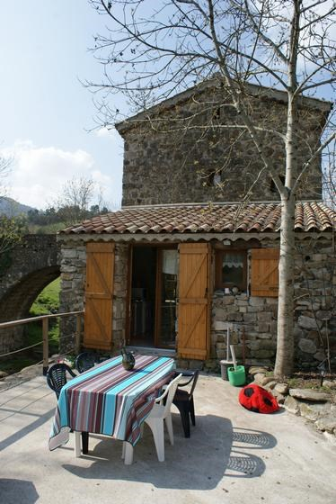 Location vacances Prades -  Maison - 6 personnes - Barbecue - Photo N° 1