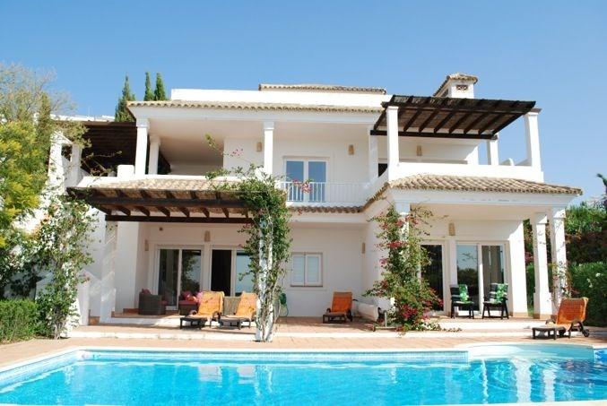 Las Mimosas est une luxueuse villa de vacances spacieuse, à Benalup (Costa de la Luz - Cadiz - Andalousie).