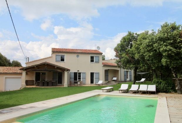 La Briocha is a very beautiful holiday house located in Bonnieux (Vaucluse: Provence-Alpes-Côte d'Azur)...