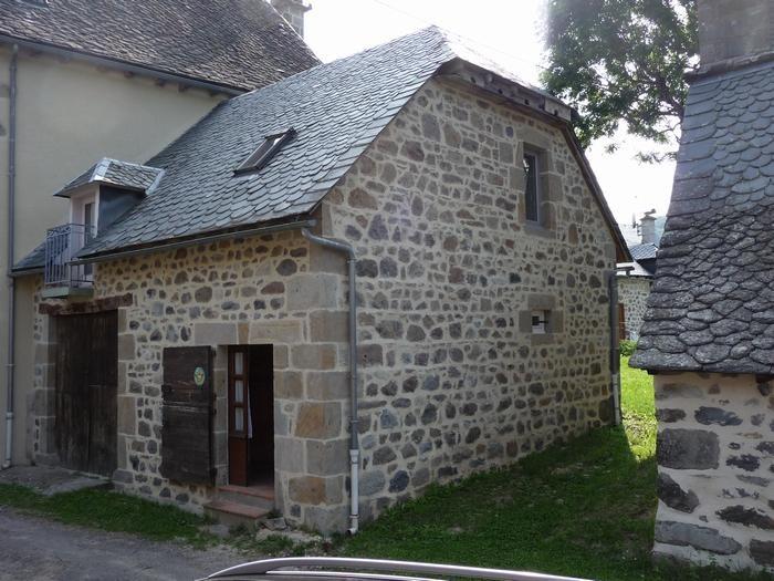 Location vacances Mandailles-Saint-Julien -  Maison - 4 personnes - Barbecue - Photo N° 1
