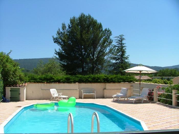 Location vacances Cuges-les-Pins -  Appartement - 4 personnes - Barbecue - Photo N° 1