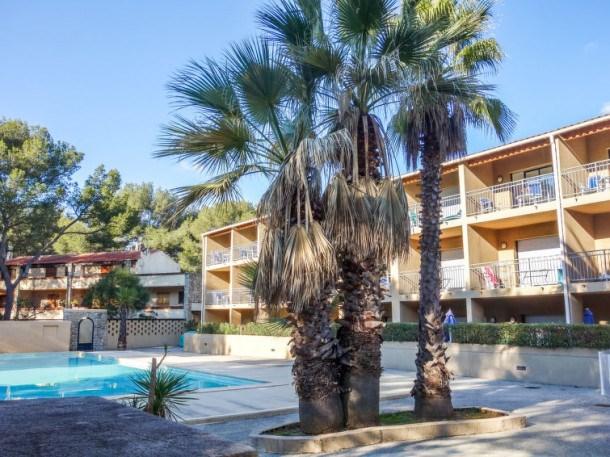 Location vacances Sanary-sur-Mer -  Appartement - 4 personnes - Télévision - Photo N° 1