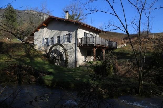 Gîte du Moulin de la Cabatte dans le sud du Jura - Thoirette