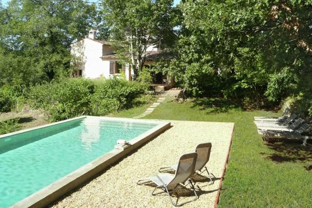 Location vacances Entrecasteaux -  Maison - 8 personnes - Barbecue - Photo N° 1