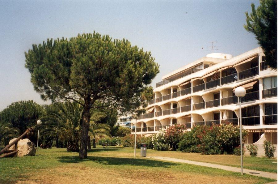Appartement type P2 accès direct bord de plage