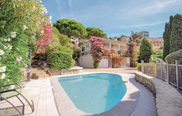 Location vacances Rayol-Canadel-sur-Mer -  Maison - 5 personnes - Barbecue - Photo N° 1