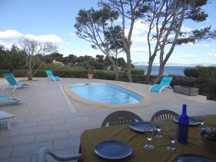 Villa vue mer panoramique. Calanque privative à 90 mètres