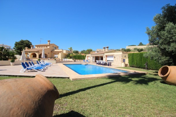 Luxury Villa Surrounded by Vineyards - 7bd Great for Big Groups w/Private Pool