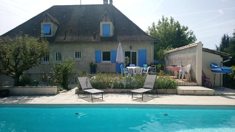 Location vacances Saint-Colomb-de-Lauzun -  Maison - 10 personnes - Barbecue - Photo N° 1
