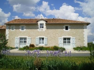 Location de gîtes en Dordogne (Périgord vert) pour 8 à 20 personnes ( proche Charentes ). - Nanteuil-Auriac-de-Bourzac