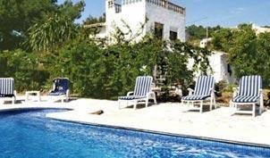 Villa avec piscine entièrement équipée !