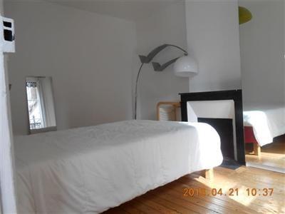 T2, meublé, 1er étage, cour arborée, cuisine équipée - Paris 18ème (75018)-2