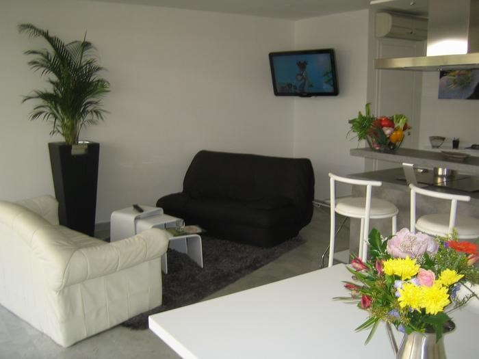 Location vacances Antibes -  Appartement - 6 personnes - Chaise longue - Photo N° 1