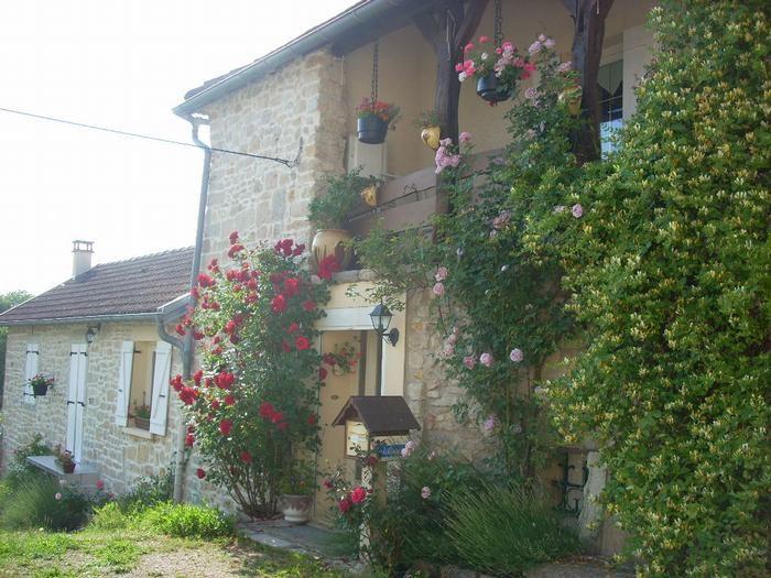 Location vacances La Tour-du-Meix -  Appartement - 5 personnes - Barbecue - Photo N° 1