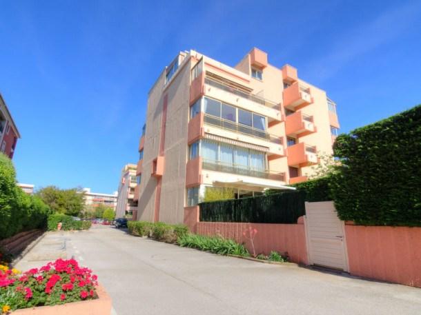 Location vacances Sainte-Maxime -  Appartement - 4 personnes - Lecteur DVD - Photo N° 1