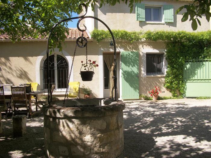 Location vacances Mouriès -  Maison - 4 personnes - Barbecue - Photo N° 1