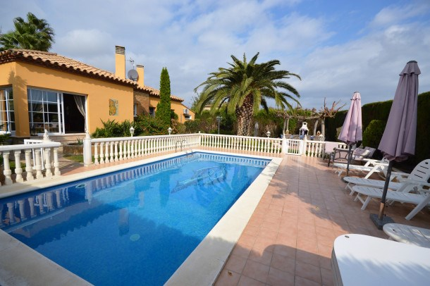 Location vacances Sant Pere Pescador -  Maison - 6 personnes - Barbecue - Photo N° 1