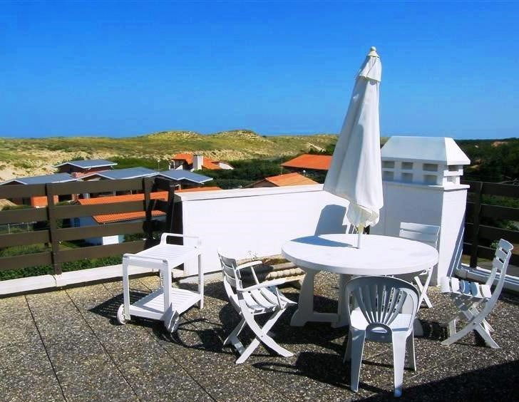Duplex pour 5 personnes entre lac et océan, face à la plage de la Gravière